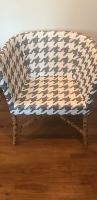 Crate and Barrel Dining Room Chair Parkersburg, 26101