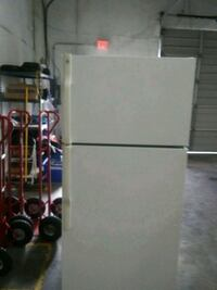 white top-mount refrigerator Fort Worth, 76107