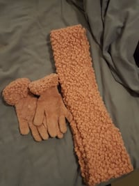 Pink scarf and mitts