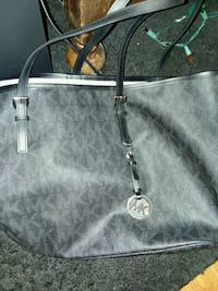 Michael kors purse  Ankeny