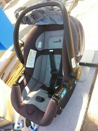 baby's black and gray car seat carrier Las Vegas, 89104