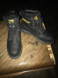 Pair of black leather work boots McKeesport, 15132