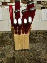 red and silver knife set Toledo, 43612