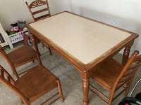 Table and 4 chairs Lutherville Timonium, 21093