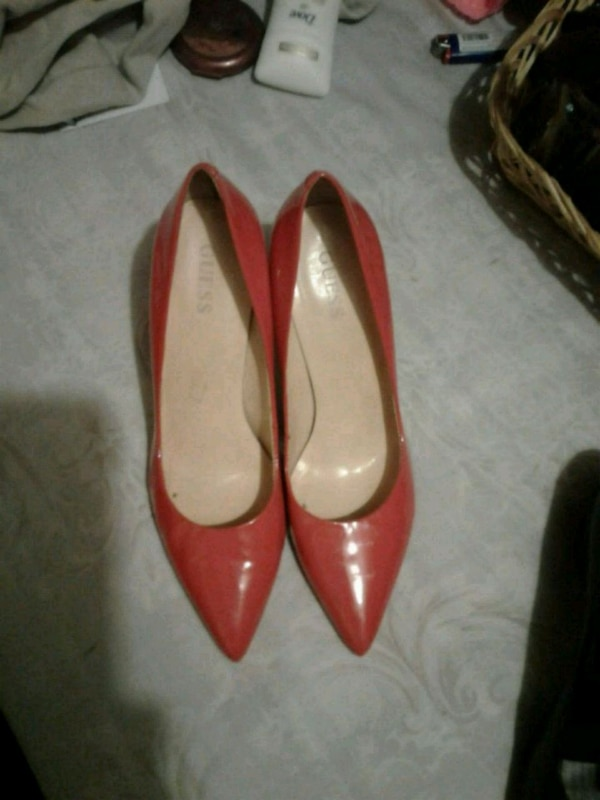 Guess patent pumps