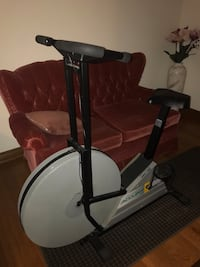 black and gray stationary bike Brampton, L6S