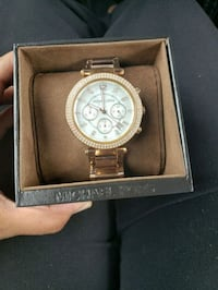 round gold Michael Kors chronograph watch with lin Yukon, 73099