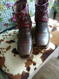pair of brown leather cowboy boots Oklahoma City, 73162