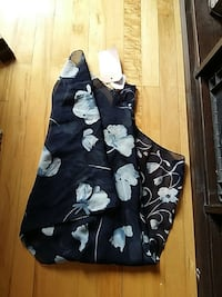 women's black and white floral print textile Montréal, H2S 2L5