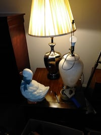 2 sets of lamps, everything must go null