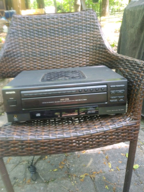 Aiwa 5 Disc CD Player XC-37M