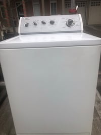 Whirlpool washer and dryer set working perfectly