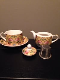 Teaopia single cup teapot, strainer , cup and saucer set NEW with box Mississauga, L5J 1V8