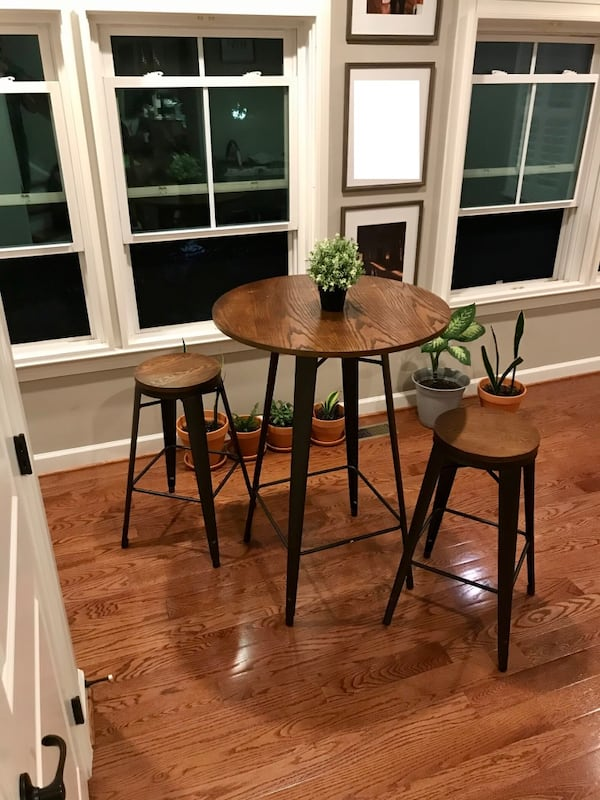 Bar height table with 2 stools 77a1d4b4-2243-48ff-9954-3461d2b4f8a8