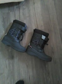 boys winter boots size  Pickering, L1W 3X2