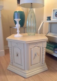 Refinished End/Night Table Brampton, L7A 2G2