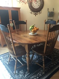 Wooden Table /4chairs/Extension Pieces 483 mi