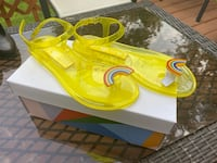 Katy perry jelly sandals size 6 Annandale, 22003