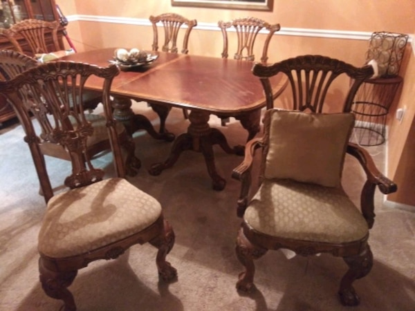 china cabinet with 6 ft table with 6 chair 2 Capta 104fcde0-d9d7-4602-b7ae-7a7aac122d0e
