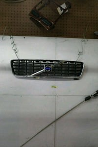 2004 Volve S60 Grille Upper Los Angeles, 90744