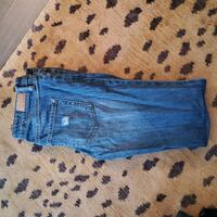 Guess Jean's size 27 Port Moody