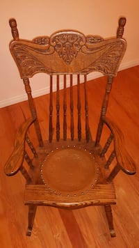 Beautiful rocking chair near mint condition Prince Edward, K0K