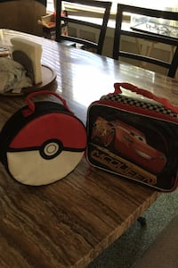 2 lunch boxes Weslaco, 78596