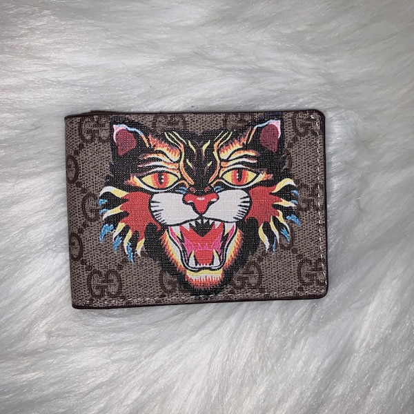 Gucci Bifold Wallets 7