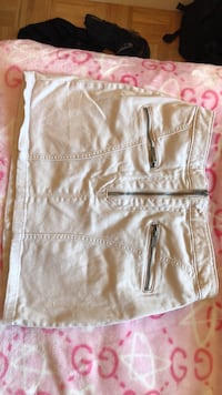 H&M skirt size 6 but fits small  Delta, V4C 1K5