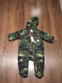 green and black camouflage zip-up hoodie Vancouver, V6J 1Y5