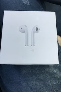 AirPods original with brand new accessories and box Mississauga, L5V