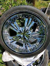chrome multi-spoke car wheel with tire Whitby, L1M 1G2