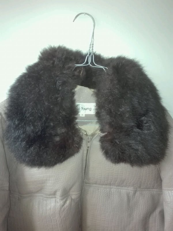Genuine Vintage Goose down leather and furr jacket b2954a33-dc69-4eb7-9583-4e904ab7d503