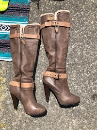Pair of brown leather knee-high boots Toronto, M4M 3L1