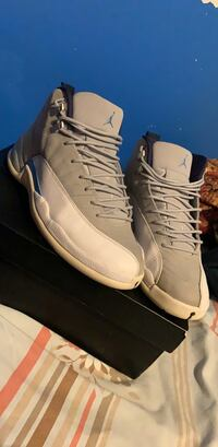Jordan 12 unc wolf greys size 10.5 will do trades but looking for money Toronto, M3N 2H2
