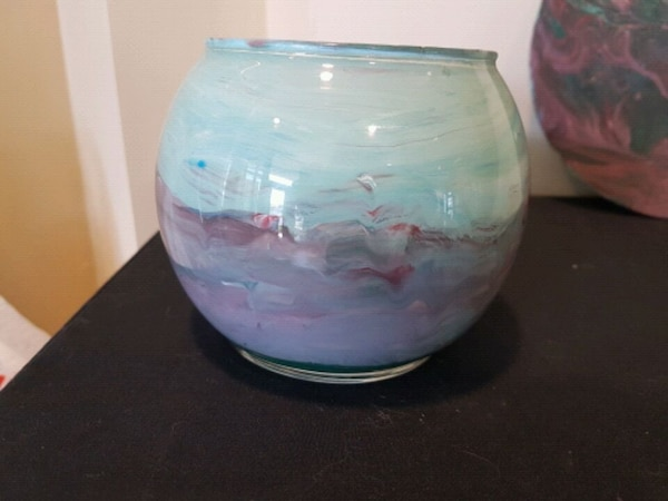 Artisan hand painted glass vase / candle holder efd0114e-5699-49db-bd43-98ebf50d17a0