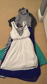 Women's white and blue dress and colorful and alot