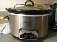 silver and black Crock-Pot slow cooker