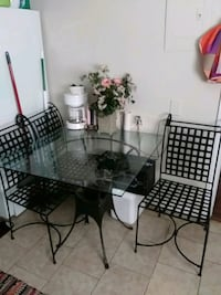 Dinnette set/4 iron chairs Charlotte, 28208