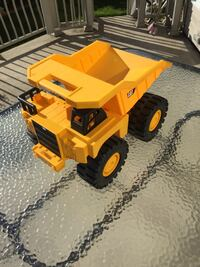 yellow and black dump truck toy Laval, H7X 4G4