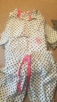 Victoria's Secret Pajama set size small Siloam Springs, 72761