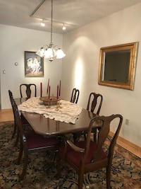 Dining room table and 6 chairs 219 mi