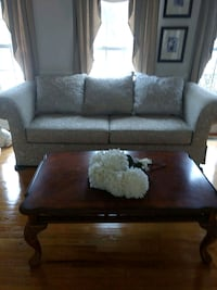 """White 90"""" cloth sofa with cherry wood coffee table Stafford, 22556"""