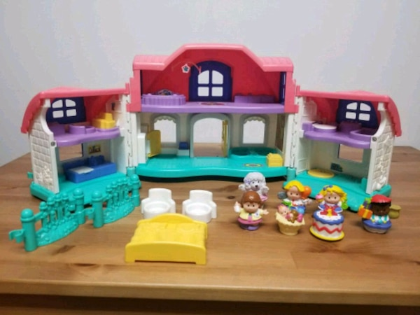 Fisher Price Little People doll house set