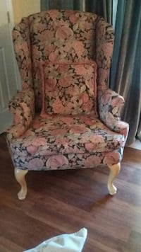 Wing chairs floral Innisfil, L9S 1R7