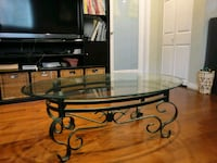 Glass coffee table Vancouver, V6P 2W3