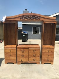 Brown wooden cabinet with hutch Norwalk, 90650