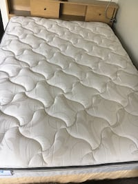 quilted white mattress with pack Seattle, 98109