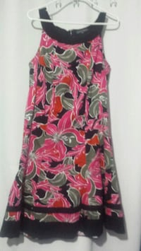 Dress size 14 yes it stretches Simcoe, N3Y 5G2