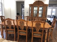 MOVING SALE.... Dining Table Set Richmond Hill, L4C 4J4